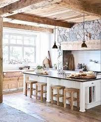 grande cuisine avec ilot central cuisine équipée près table salle a manger verre et bois design