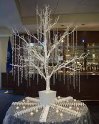 winter wonderland wedding and the manzanita trees just makes it