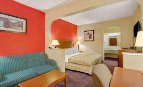 Comfort Inn And Suites Memphis Days Inn And Suites Memphis