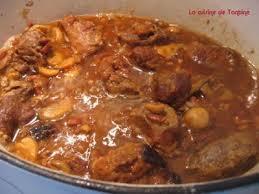cuisiner joue de porc joue de porc aux artichauts et tomates recette ptitchef