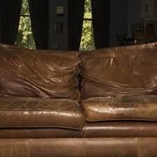 comment refaire un canapé en cuir les 25 meilleures idées de la catégorie réparation de canapé en