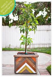 make it diy chevron patterned reclaimed wood planter box curbly