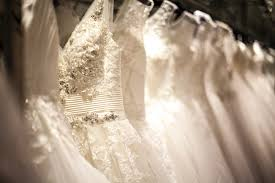 what to consider before buying a preloved wedding dress easy