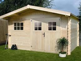 construction d une serre de jardin en bois abri jardin bois