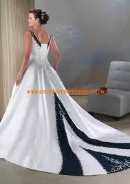 robe de mariã e bleue robe de mariée bleu et blanche col v