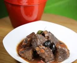 cuisiner la joue de porc marmiton daube de boeuf à la provençale recette de daube de boeuf à la