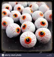 eyeballs stock photos u0026 eyeballs stock images alamy