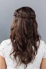 Frisur Lange Haare Kleid by Lange Braune Haare Ein Zopf Als Kranz Weißes Kleid Einfach Zu