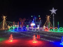 when does the great christmas light fight start great christmas light fight winner is attracting a crowd in lake