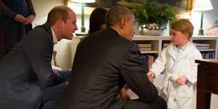 robe de chambre anglais barack obama accueilli par le prince george en robe de chambre