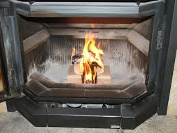 buche de cheminee conseils d u0027utilisation des briquettes de bois compressé provence