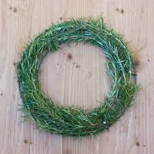 herb wreath how to make a gorgeous fresh herb wreath step 5 garden therapy