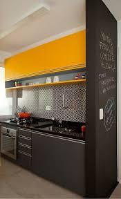 cuisine noir et jaune cuisine noir et jaune une cuisine trois ides noir et jaune with