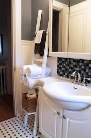 Diy Leaning Ladder Bathroom Shelf by Bathroom Leaning Ladder Towel Rack Towel Ladder Diy Floating