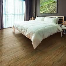 Pergo Max Inspiration Laminate Flooring Shop Pergo Max 5 23 In W X 3 93 Ft L Nashville Oak Embossed