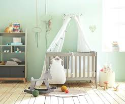 chambre bebe cosy chambre bebe cosy lit bacbac a baldaquin dans une chambre vert