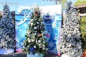 Frozen Decoration For Christmas Tree by 7 Favorite Christmas Trees At Disney World U2013 Disneylists Com