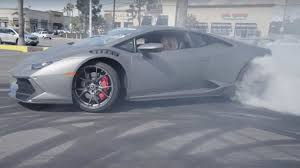 Lamborghini Huracan White Black Rims - watch this couple drift lamborghini huracan around dealer lot