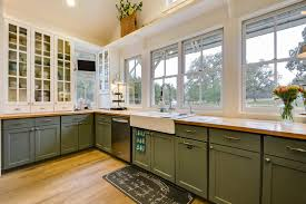two tone kitchen cabinets fad or forever