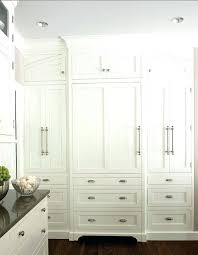 how to pick cabinet hardware choosing kitchen cabinet hardware choosing the right kitchen
