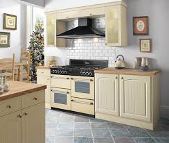 Belling Classic range cooker in an inspirational cream kitchen