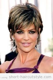 textured hairstyles for womean over 50 lisa rinna celebrity pixie haircuts l www sophisticatedallure com