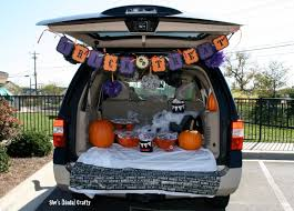 Halloween Trunk Or Treat Ideas by Treat Bags Galore Shes Kinda Crafty