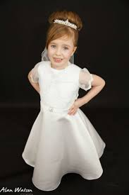 flower girl hairstyles uk 37 best flower girl first holy communion hair accessories and