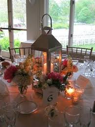 White Lantern Centerpieces by 28 Best Table Settings And Centerpieces Images On Pinterest