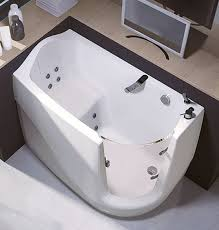 Jacuzzi Bathtubs For Two Luxema 8000 A Two Tiered Jacuzzi Comes With A Tv Bar And Sound