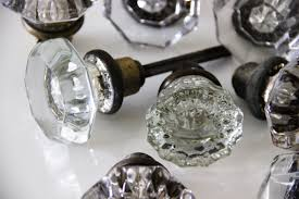Glass Door Knobs Diy Glass Door Knob Bud Vases Featured On Wedding Pretty