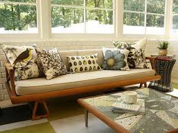 Brown Sofa Throw Brown Sofa With Throw Pillows Decorating Sofa With Throw Pillows