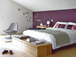chambre violet chambre à coucher bout lit sol bois mur violet chambre coucher la