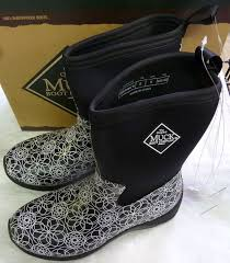 s waterproof boots size 9 muck arctic weekend solid mid boot for size 9 swirl print ebay