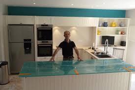 cuisine en verre credence cuisine en verre design 7 cuisine en bois marron fonc233