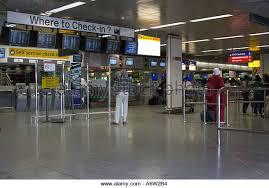 Heathrow Terminal 3 Information Desk Terminal Heathrow Airport Departures Check In Stock Photos