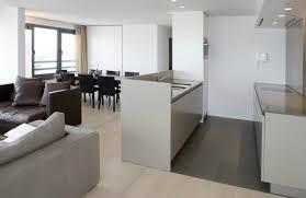 cuisine blanche ouverte sur salon cuisine ouverte sur salon moderne cuisine en image