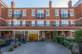 portico 4 bedroom house for sale in woodford green rosebury