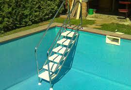 pool treppe pool zubehör vom fachmann reinigung leitern technik