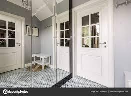 placard moderne chambre incroyable grand miroir moderne placard moderne chambre armoire