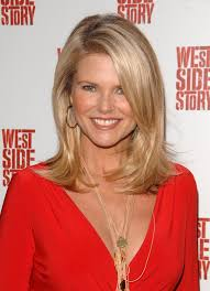 young looking hairstyles for women over 50 christie brinkley s guide to looking young christie brinkley