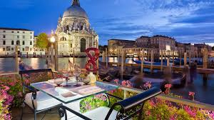 Floating Table Floating Table Inacqua Restaurant Grand Canal Venice