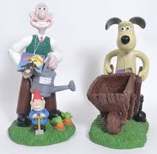 two wallace gromit garden statues new with tags
