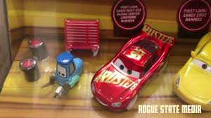 cars 3 toys exclusive first look lightning mcqueen u0026 cruz ramirez