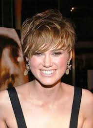 top 10 short haircuts for women with round faces and thick hair