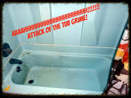 How To Clean Bathtub With Vinegar How To Clean Your Tub With Baking Soda And Vinegar The Crunchy