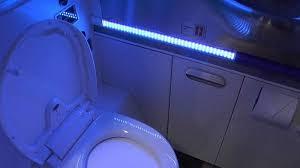 Bathroom Uv Light Boeing S New Uv Light Self Cleaning Airplane Bathroom Wordlesstech