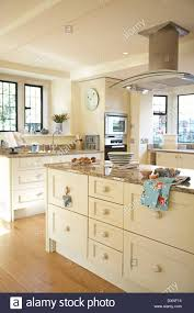 100 cream country kitchen ideas 40 best waypoint cabinets