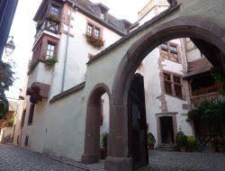 chambre d hotes eguisheim chambres d hotes eguisheim chambre à eguisheim et à proximité