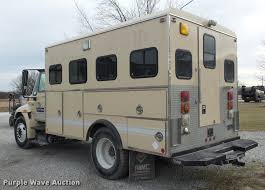 2005 international durastar 4300 personnel transport truck